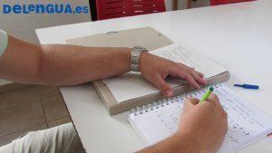 Preparação para o exame DELE exige estudo e aulas